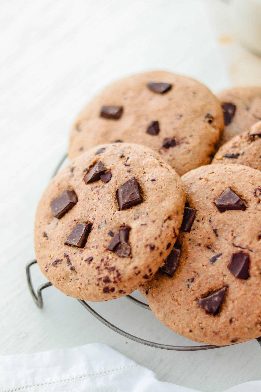 Vegan Peanut Butter & Choco-Chip Cookies