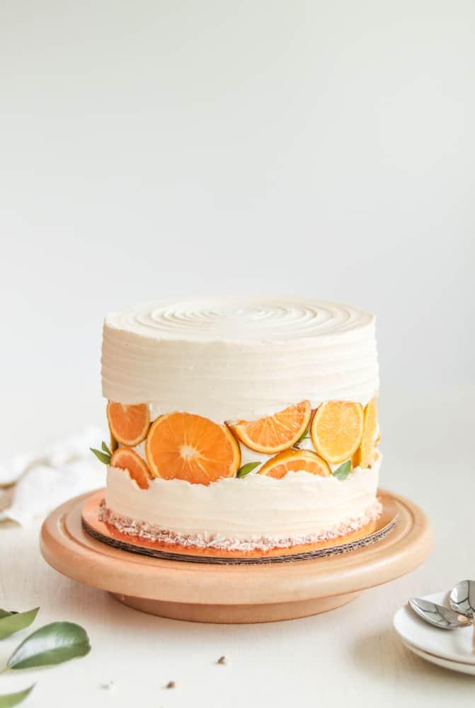 Pastel Vegano de Naranja con Coco Tostado