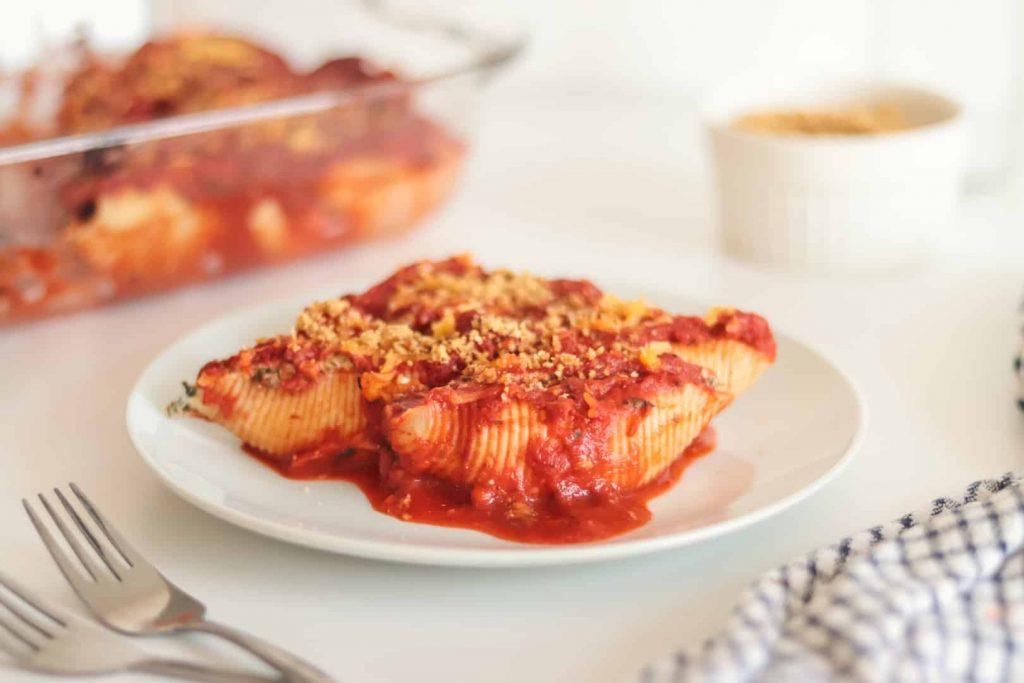 Spinach and Vegan Ricotta Stuffed Pasta Shells