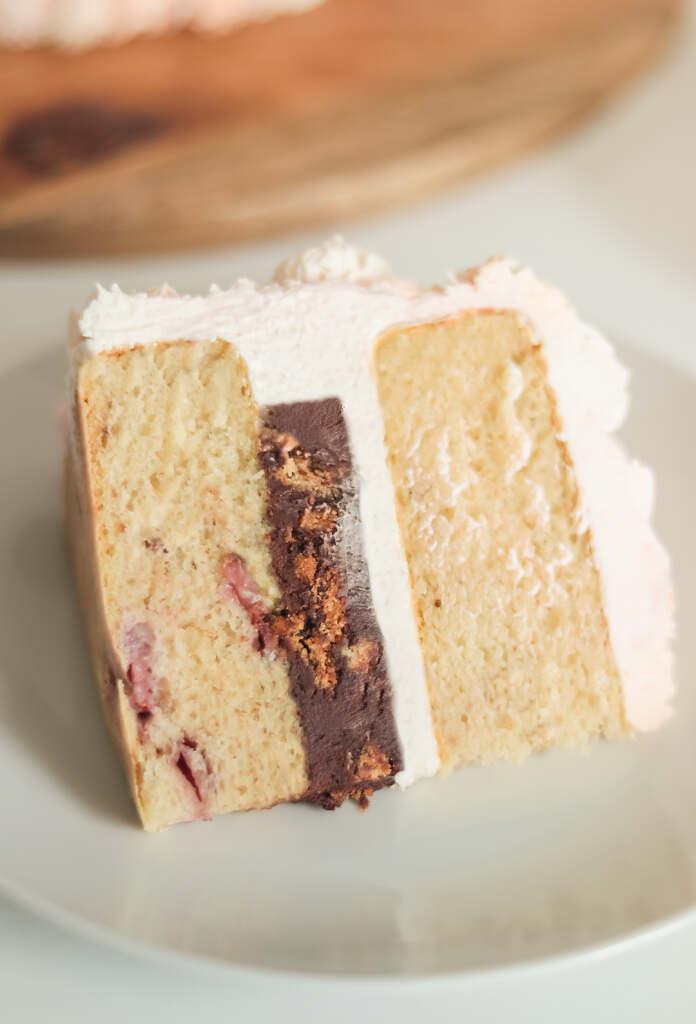Vegan Vanilla Cake with Chocolate & Cookie Ganache Filling